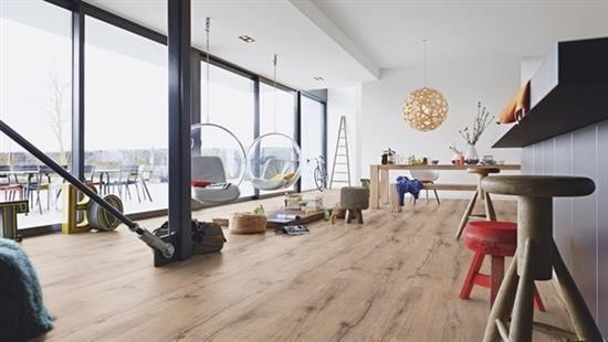 LD-300/25 新莊園系列,創新開發珍貴木種的特殊天然紋理木地板,創造大器非凡的空間品味及典雅華麗的風格質感。