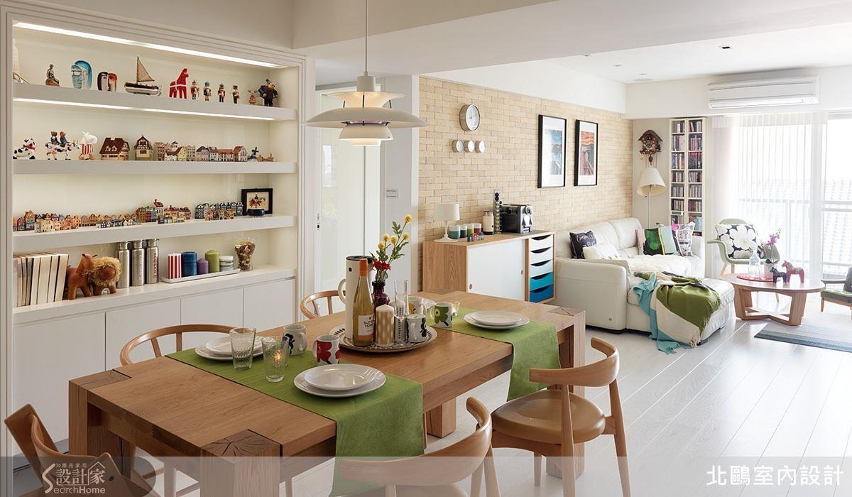純白空間宛如畫布,利用健康磚與木材勾勒架構,繽紛又充滿特色的家飾就是顏料,盡情在居家空間揮灑吧!