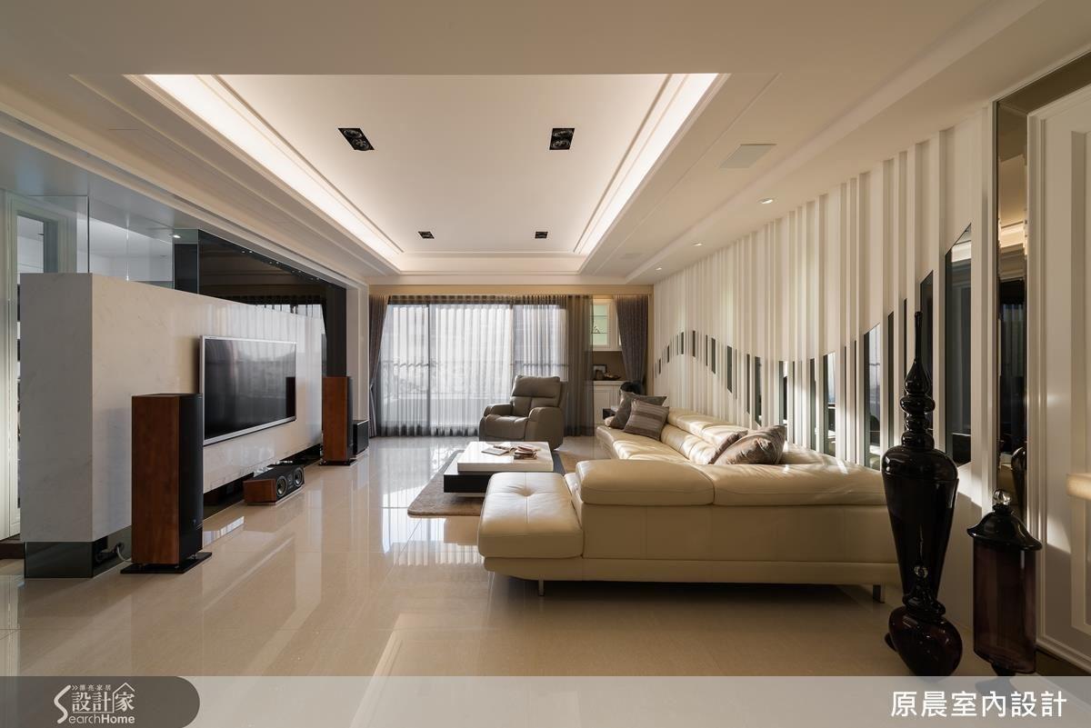 以現代風格設計的客廳區,線條俐落、空間大器,展現明亮而抖擻的居家節奏。