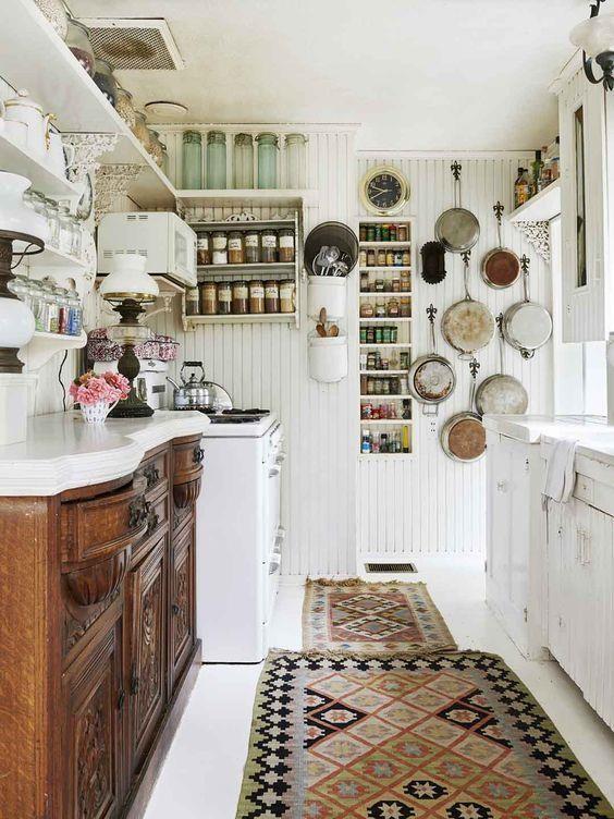 廚房越小越要學會去蕪存菁、發覺收納可能性,創造美觀與實用兼具的烹飪空間!
