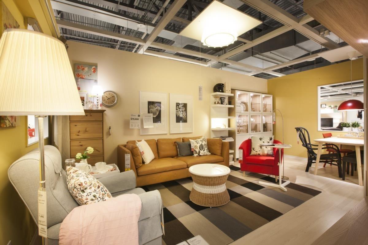 After 客廳在店內新樣貌:兼具收納與展示的客廳新樣貌,滿足三代家人不同的收納需求。開放的生活動線,讓客廳成為家人歡聚時光的好地方。