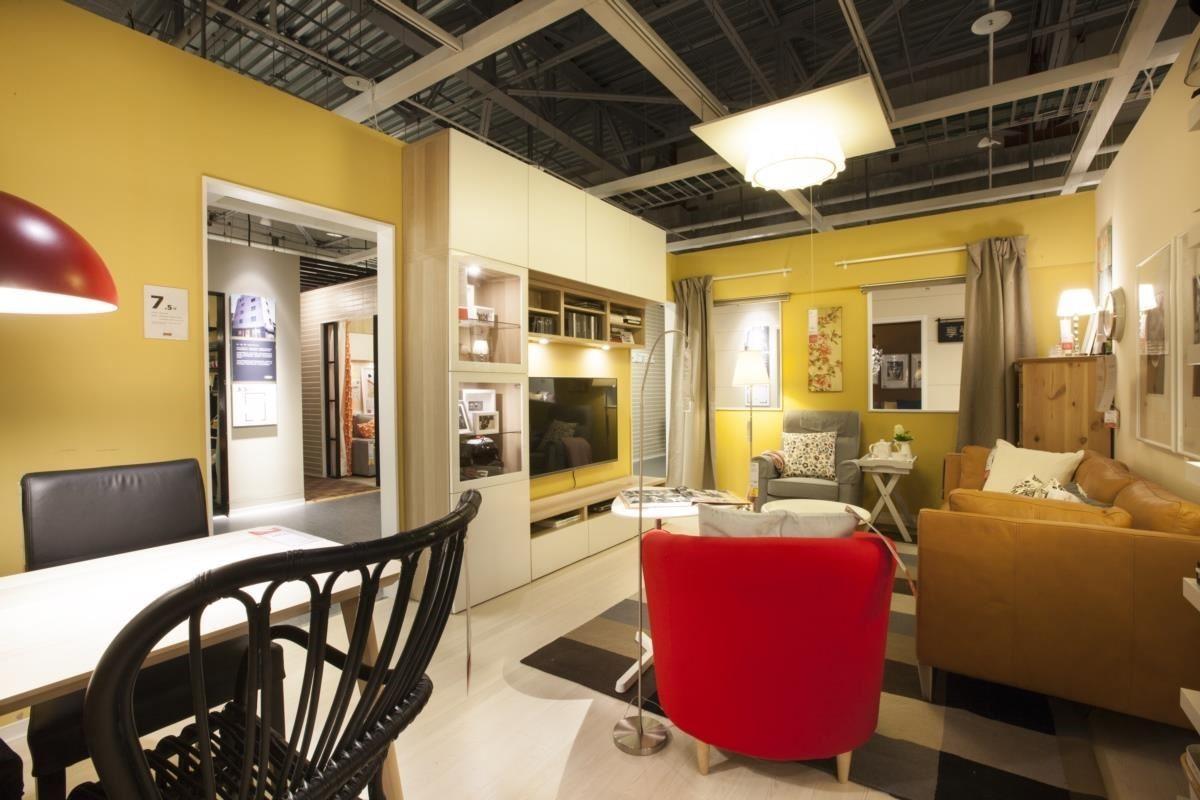 創造新的生活動線,客廳與餐廳合而為一,滿足全家人徹底放鬆的生活需求。