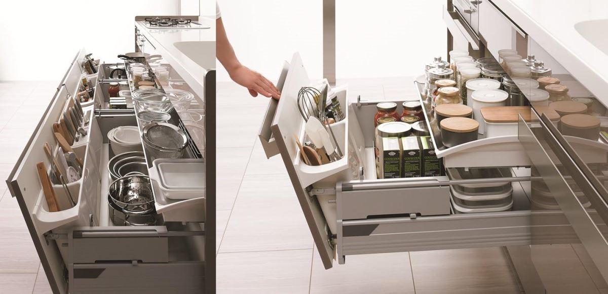 SUNWAVE 獨家設計的「樂取收納」巧妙的利用抽屜內側的空間,讓難以收拾的餐廚用具都能分門別類的依序放置。