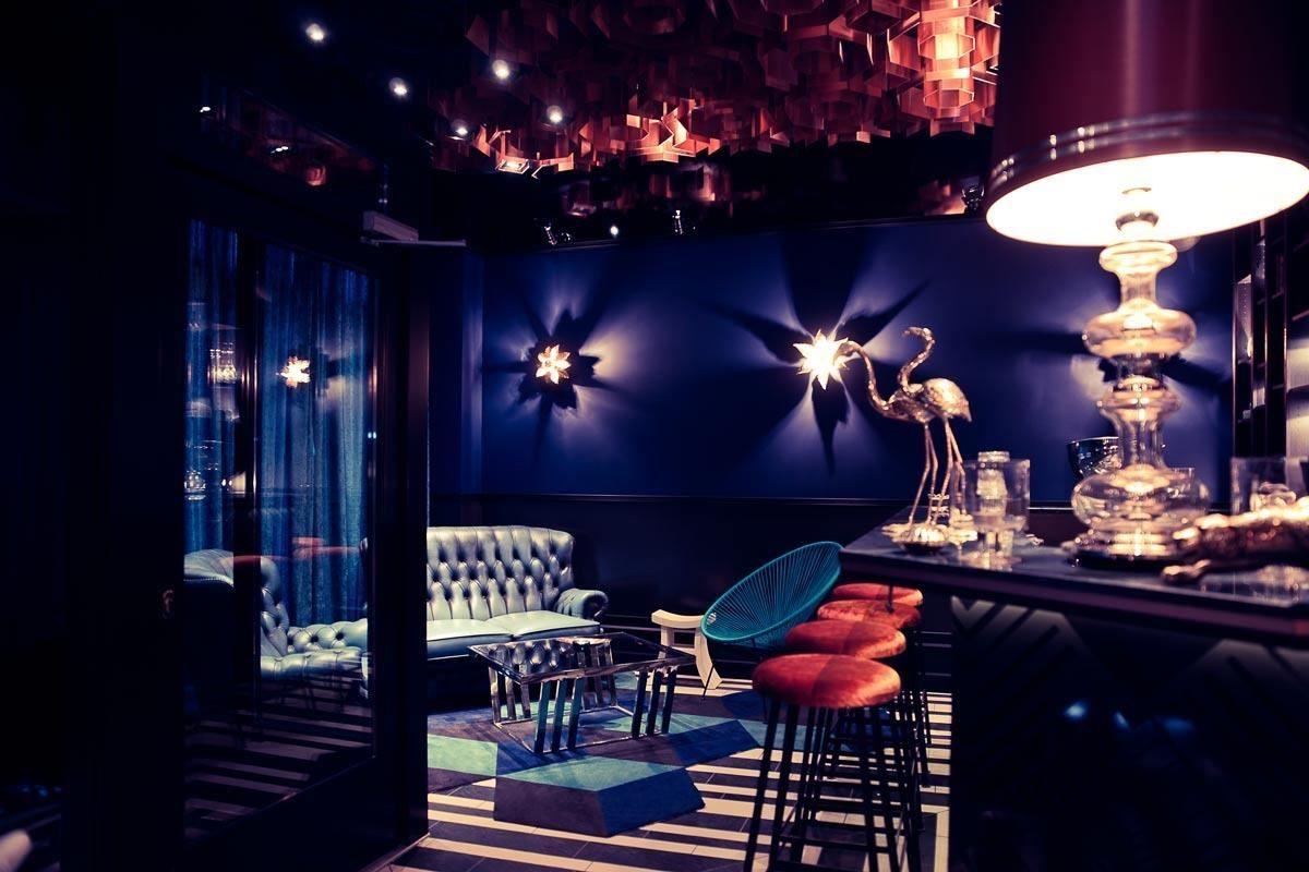 NORA 位於柏林 BON BON BAR,曾被評選為柏林前 10 大最佳酒吧。