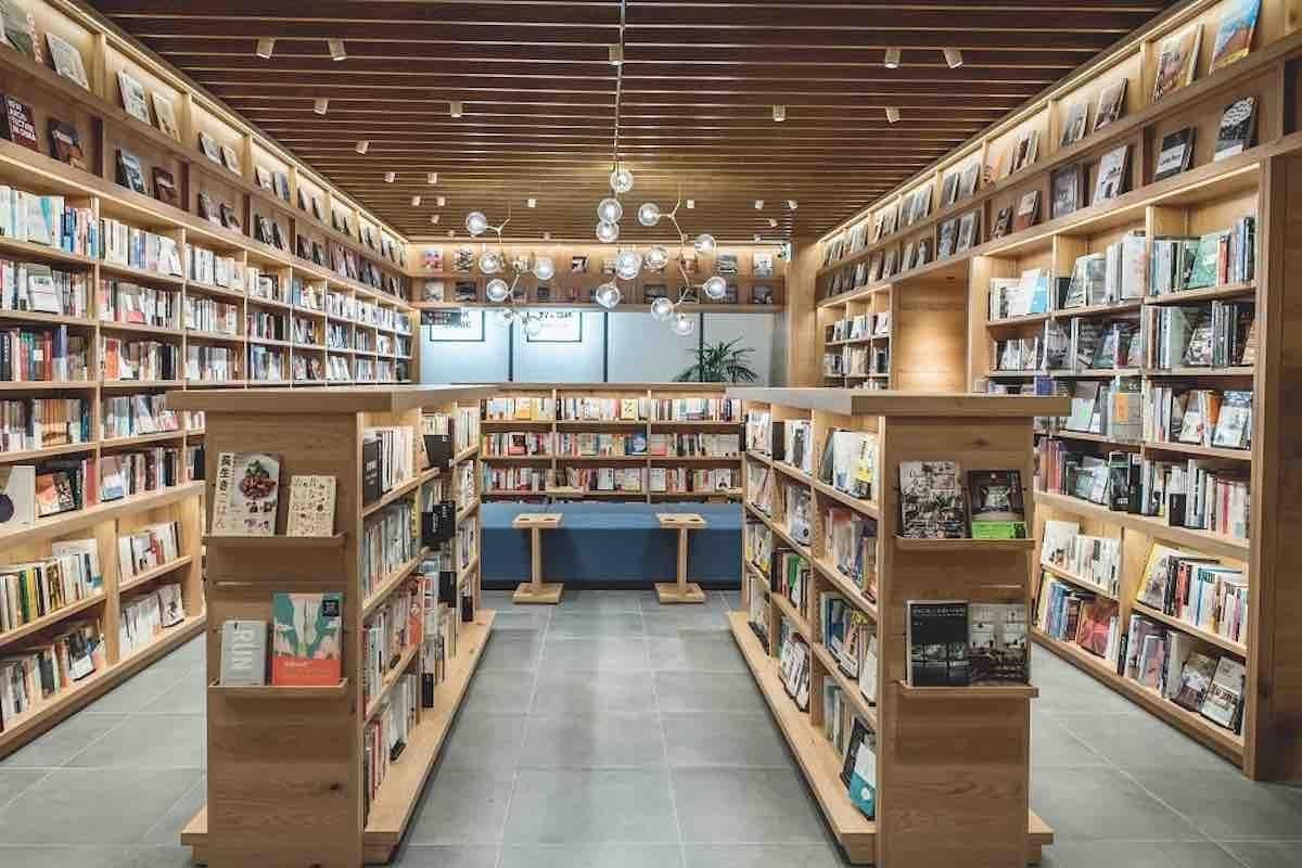 書籍區域  圖片提供_TSUTAYA TAIWAN