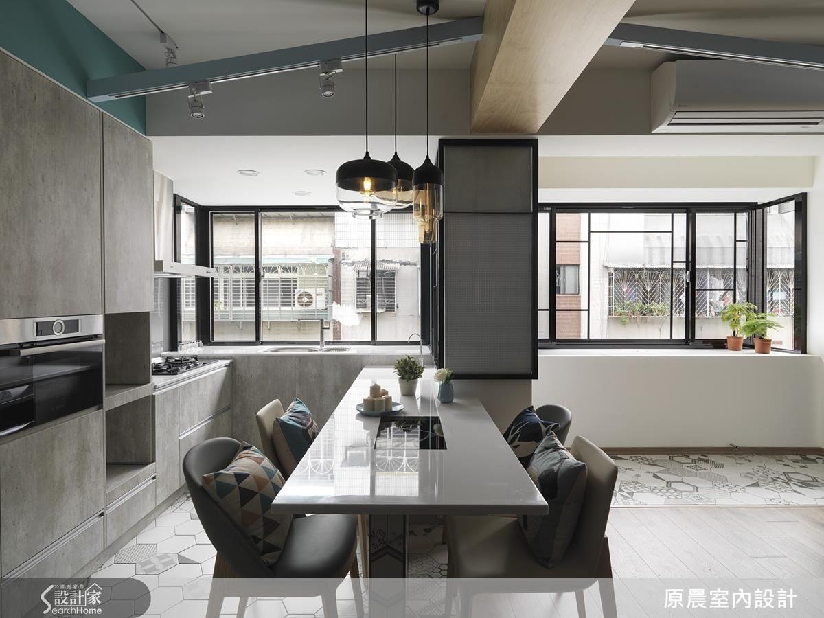空間機能位移後,規劃的開放式廚房,因採光良好,空間變乾淨、整齊。