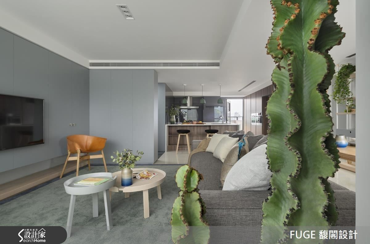 公領域以開放式為設計,簡約灰色調的質感蔓延一室,散發清新舒適氛圍。