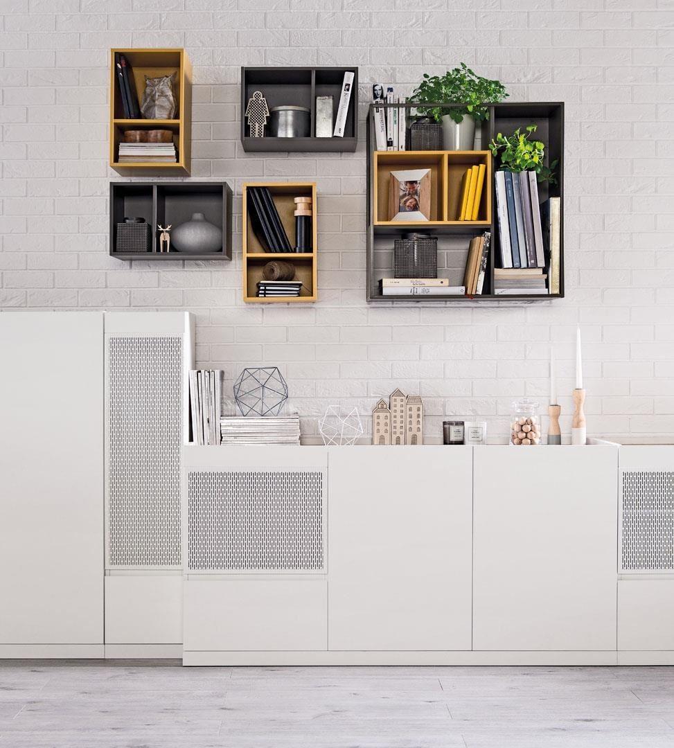 MUTO 系列以木頭、玻璃以及鐵件,為現代微型公寓提供最客製化的收納方案,在家具比例改變後依然保有充足的收納空間。