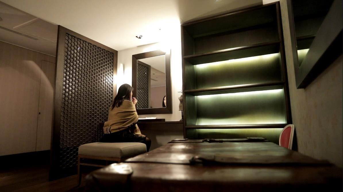 了解女性愛美的需求,提供了寬敞舒適的lady's room,讓淑女們能坐下來細細補妝。