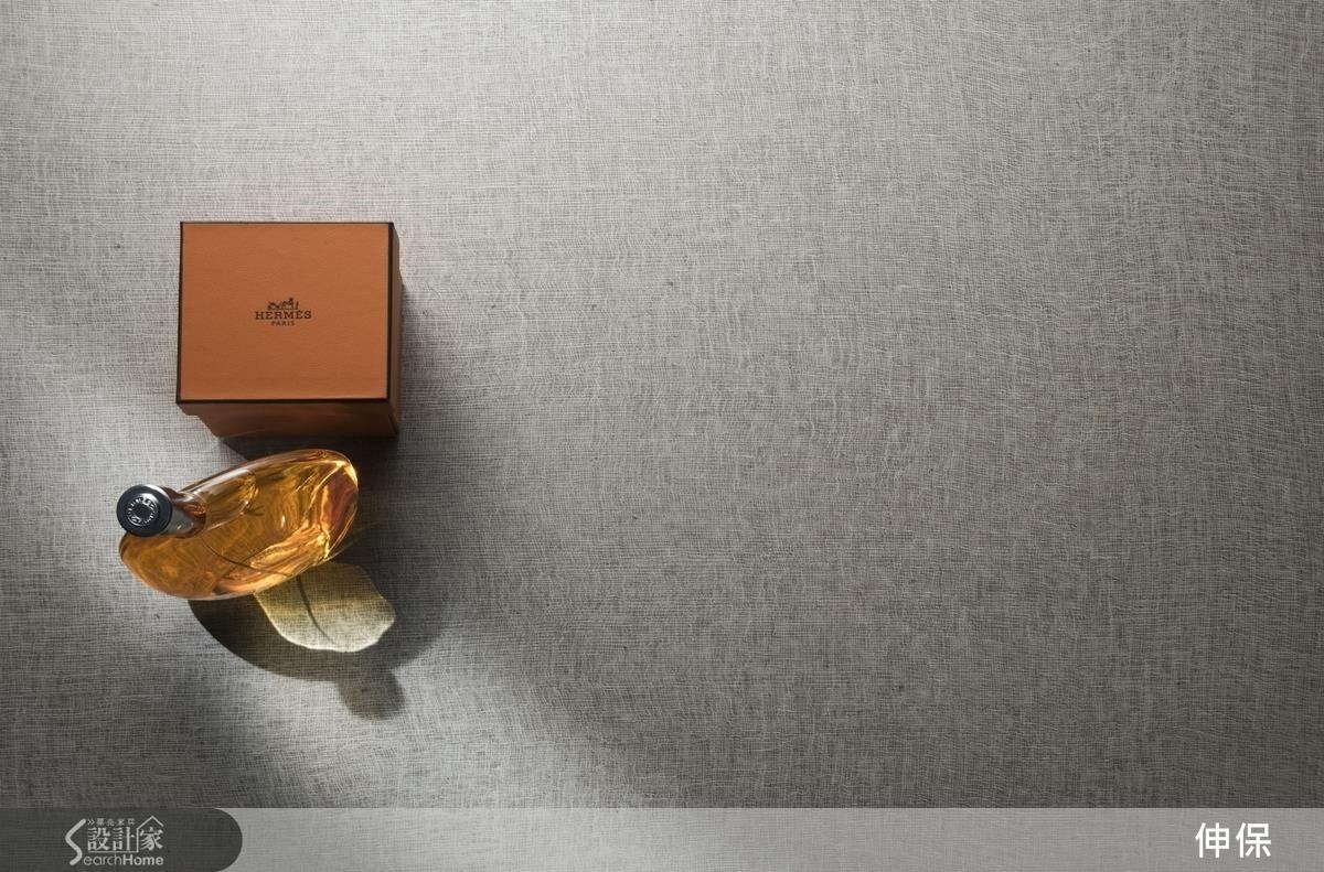 232中性色調的亞麻灰,溫和暖調讓空間保有自在純粹,更顯真摯細膩。