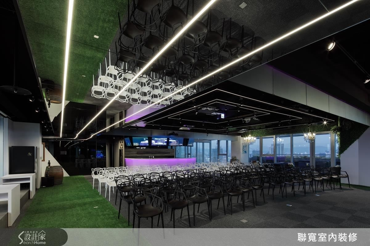 變換開會場域型式,空間運用更加彈性靈活。穹頂意象掛燈,為第二組舞台區。