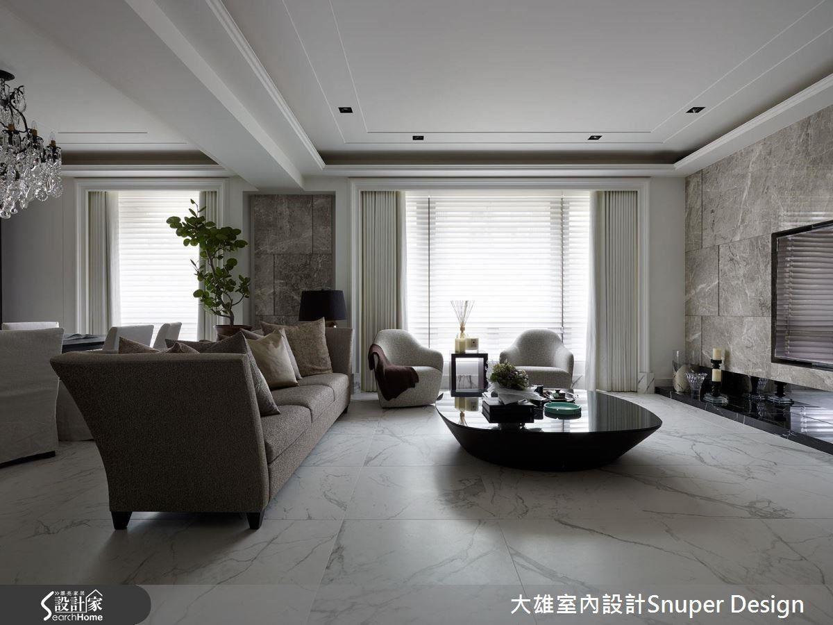 踢腳板包覆上大理石與地磚紋路呼應,在低調處展現精緻小奢華。