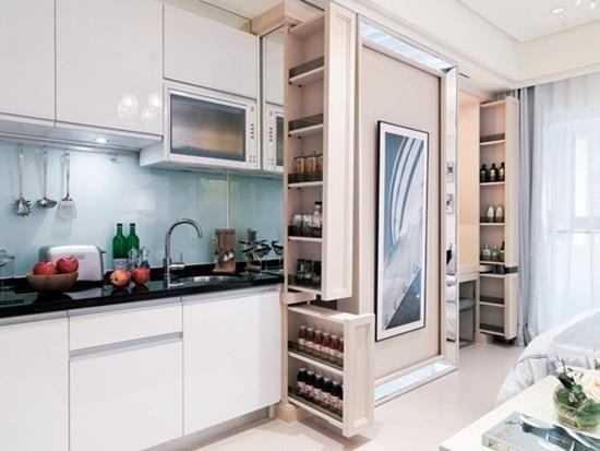 7.6 坪的都會女性套房,內部竟囊括充裕的烹飪機能與收納量度,甚至還有一間更衣室,設計師究竟如何辦到的呢?