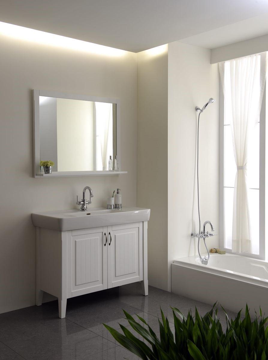 最好在鄰近浴缸處設計窗戶,敞開對外窗以增加空氣對流,讓浴室隨持保持通風、乾爽。