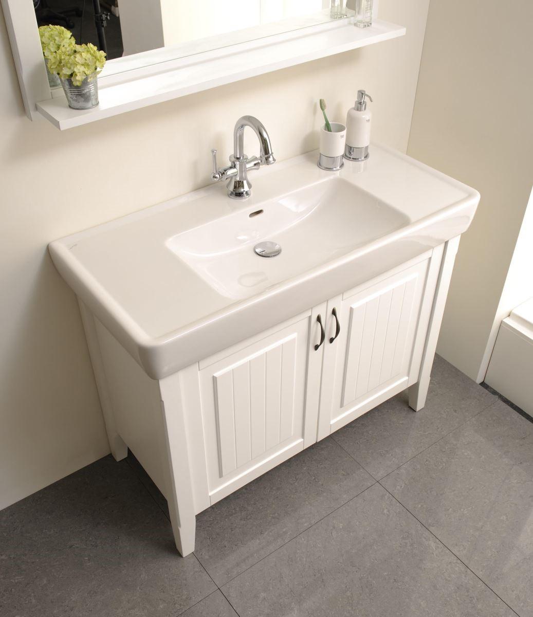 浴櫃結合防水材質,不再擔心家具因潮濕而變形、腐壞的問題。
