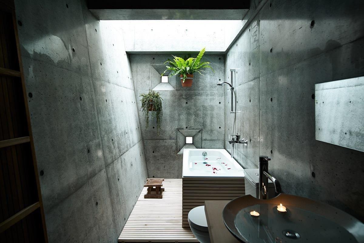 金毛屋中的採光經過精密計算,泡澡時也能沐浴在溫暖的天光之下。