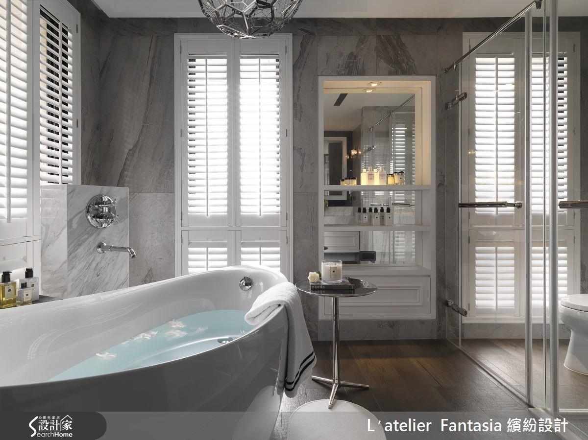 若平常有使用香氛精油的習慣,在浴室設置獨立香氛櫃,拿取收納也會更加便利。
