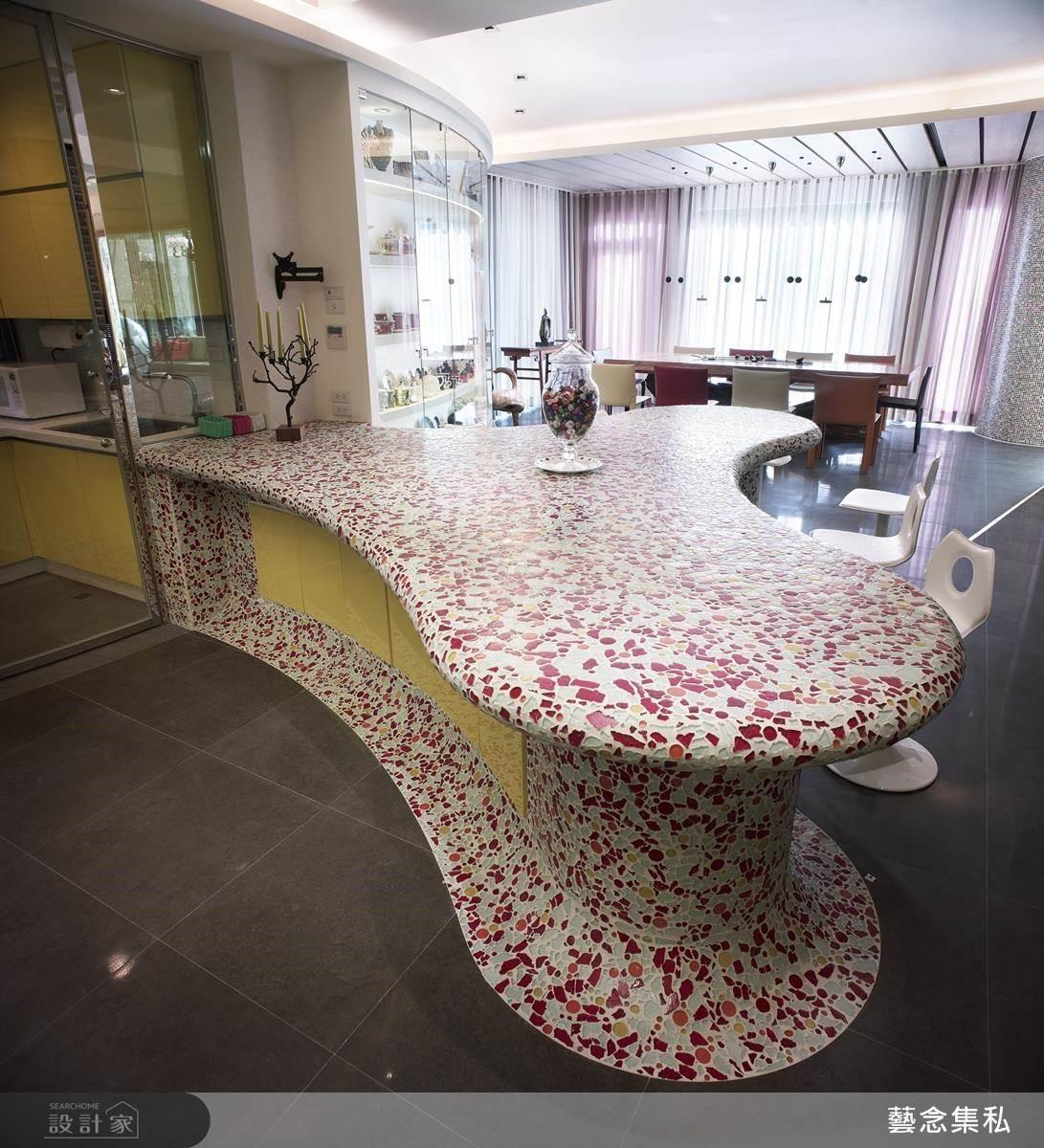 以精湛的工藝手法,將設計師的手稿設計付諸實現,讓餐桌也能藝術化!