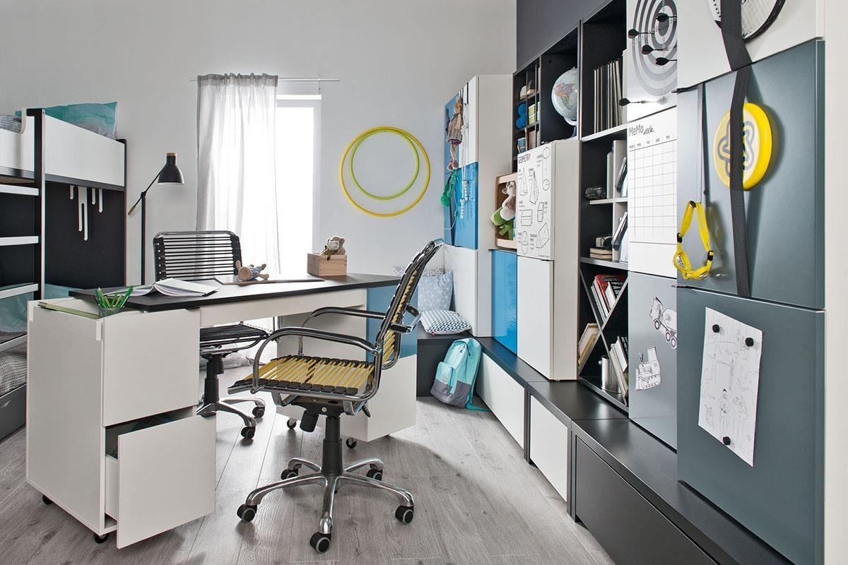 Young User 系列的可調式書桌,可供一人或兩人同時使用。