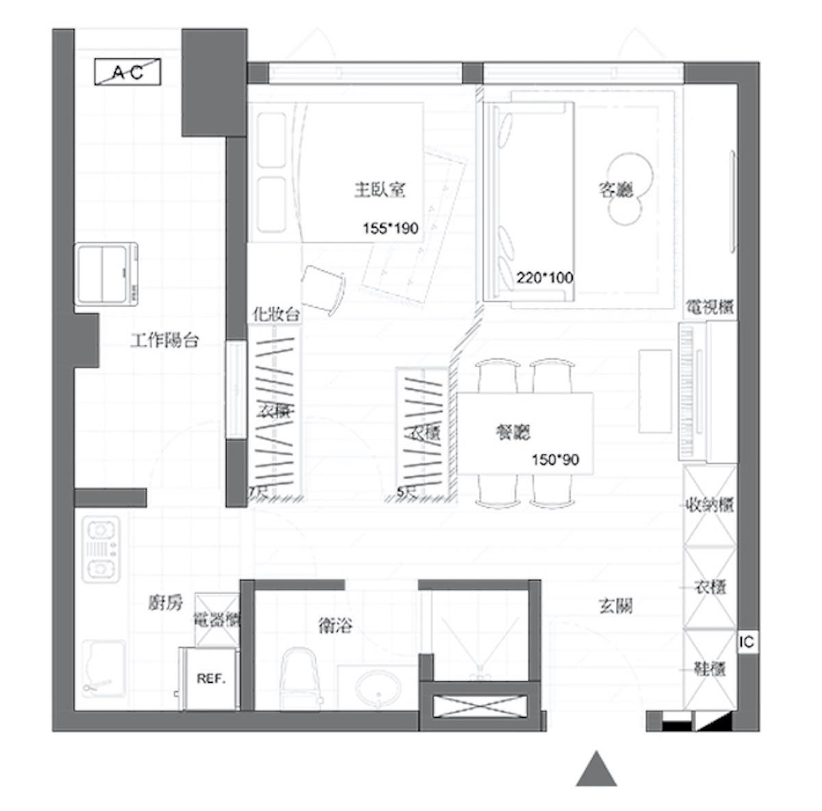 因為僅是10 坪大小的房子,將收納整合於同一牆面,並運用隱藏與展示手法令空間富有層次。圖片提供_雲司國際設計