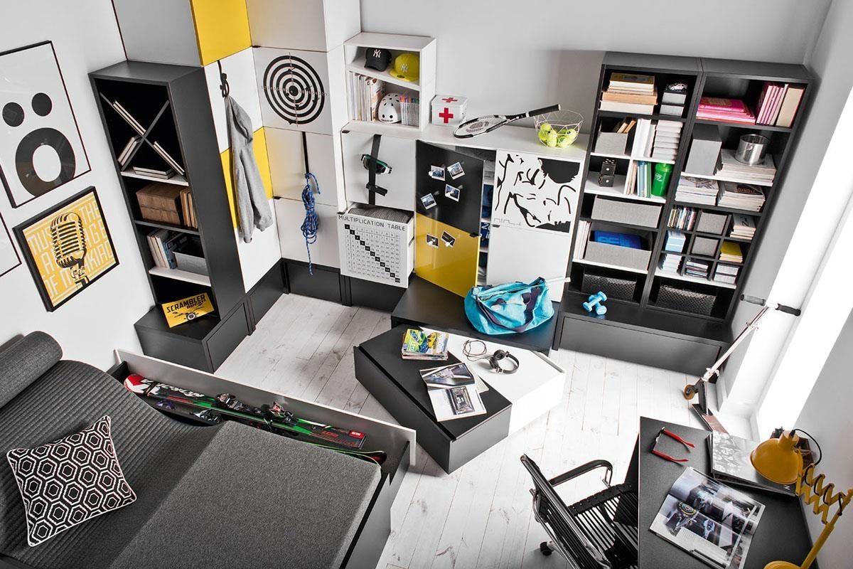 個人工作室最適合展現專屬空間性格,圖中為 Young User 系列,擁有多色金屬、布面門板可抽換搭配,多款尺寸櫃組可堆疊組合,或依家庭成員需求添購家具,櫃子最下層設計雙色活動抽屜盒,這是一款如同積木式趣味十足的家具系列