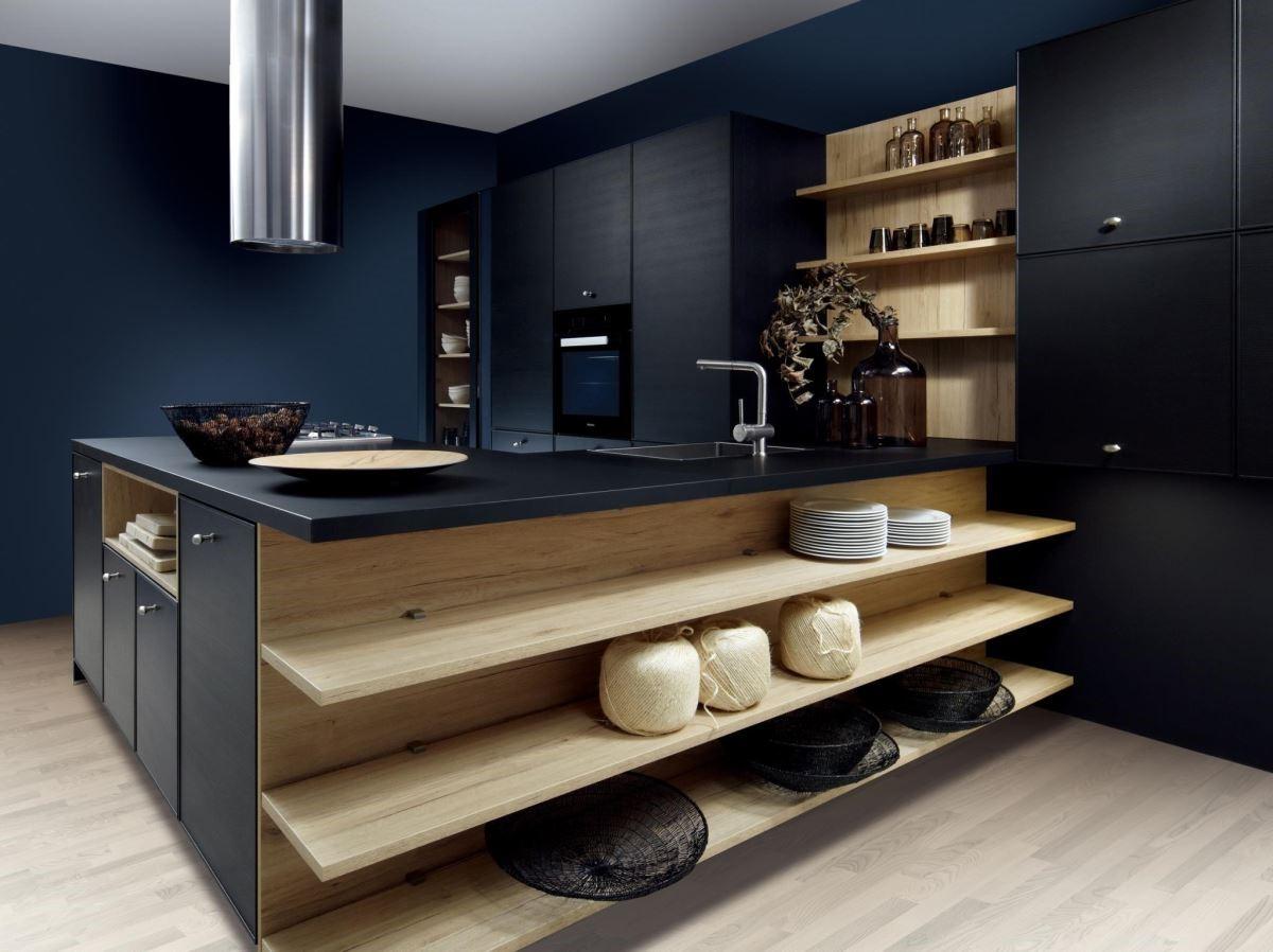 黑色與原木色混搭,在自然休閒氛圍中,挹注些許時尚感。品牌:德國 Schröder 施羅德廚具