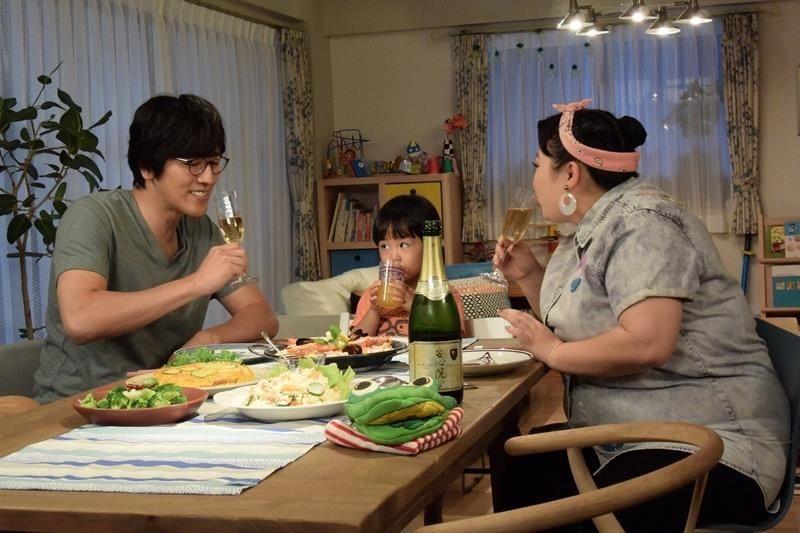 餐廳身兼多用途,成為家的中心。圖片來源:news.mynavi.jp
