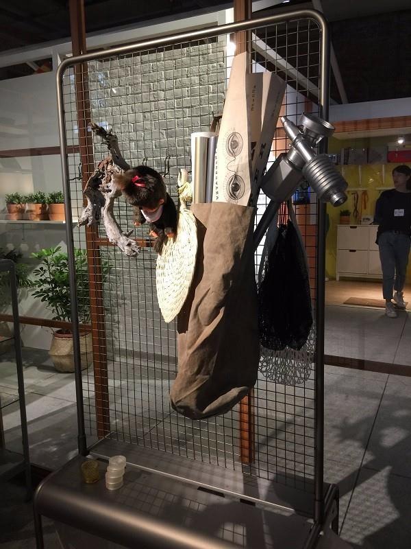 由李霽自己帶來佈置的私物與IKEA VEBERÖD系列結合,相當搭襯。攝影_曹靜宜