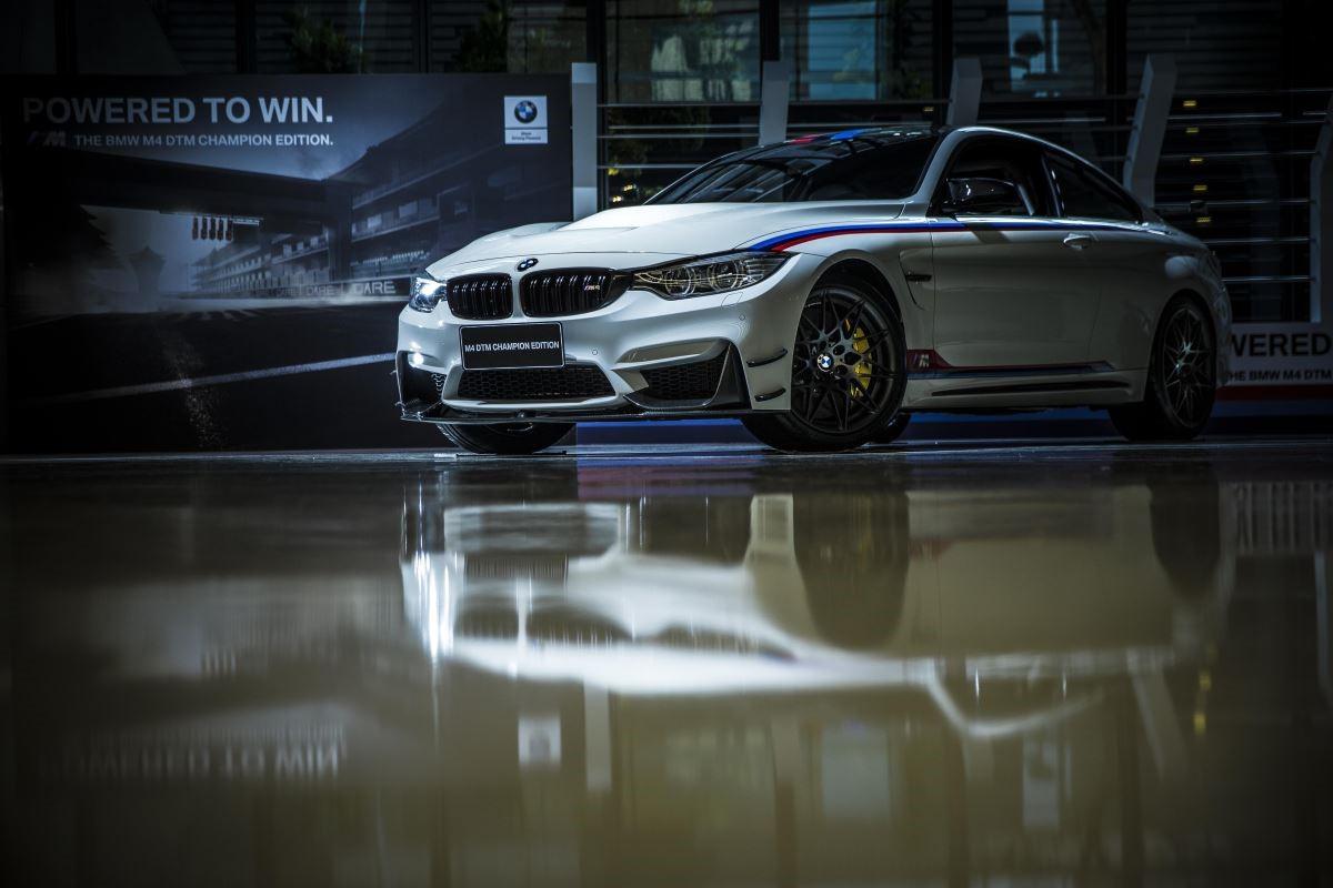 MW M4 DTM Champion Edition,全球限量 200 部,是為了慶祝 DTM 德國房車錦標賽繼 2014 年後再度奪冠,進而催生的限量道路版賽車,國內僅僅擁有 2 部配額。(攝影_徐逸恩)