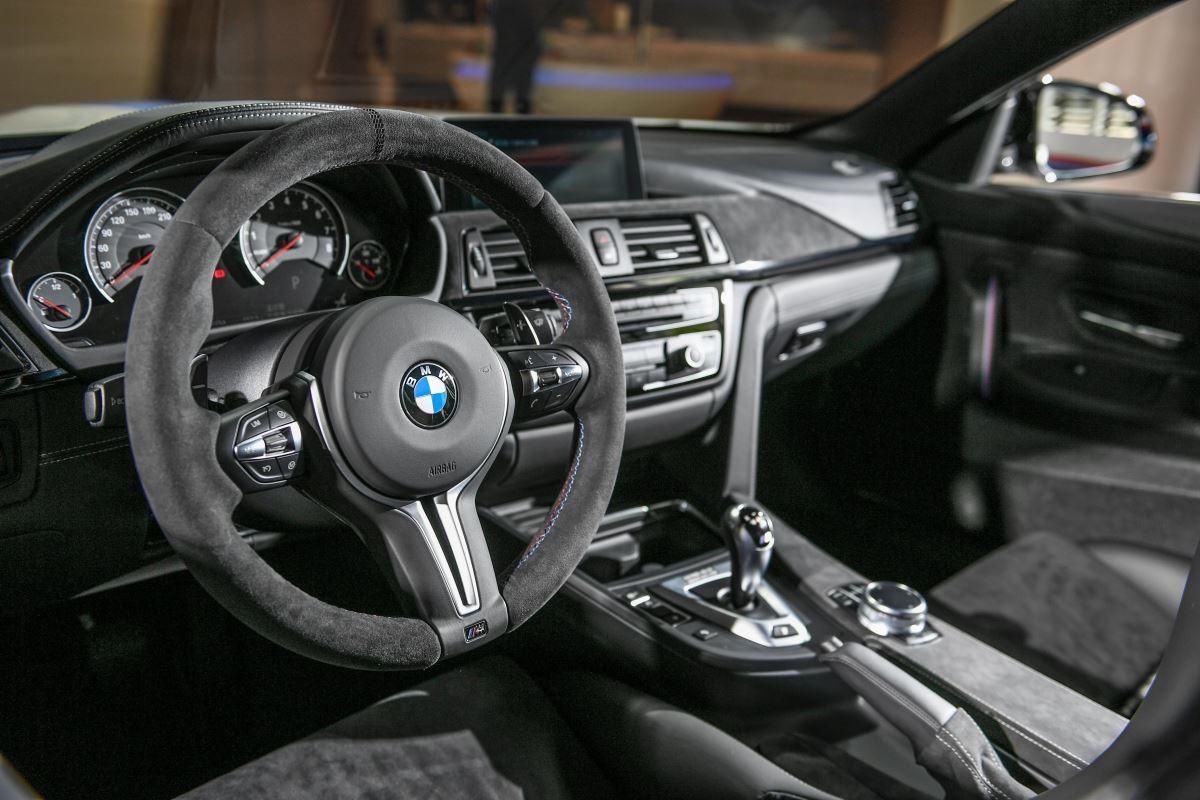 BMW M4 DTM Champion Edition 內裝,展現高級不失賽道專業的躍動性。(圖片提供_BMW 總代理汎德公司)