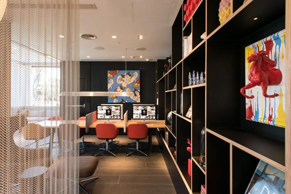 飯店設計牽動著室內設計的潮流,來自荷蘭的 citizenM 世民酒店在台北書寫下精彩的時尚美學。(攝影:沈仲達)