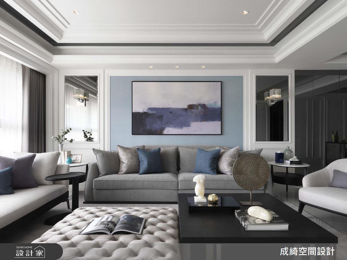 整體空間以白色作為色彩基底,再佐以適當的黑及灰藍,透過沉靜的色系搭配創造出空間的輕透感。