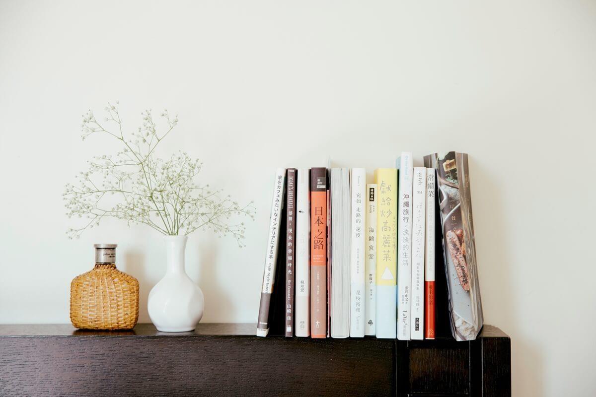 隨興陳列的書籍,讓閱讀俯首即是。攝影_方品鈞