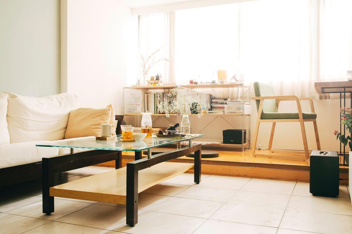 延續房東的既有家具,加入自己的布置,構成幸福溫馨的場景。攝影_方品鈞