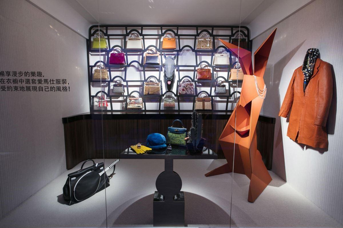 女主人更衣室,來自以再造生命為理念的 Petith 工坊所創作的摺紙藝術兔子雕塑,僅台灣獨家展示。(攝影_Mark Lee)