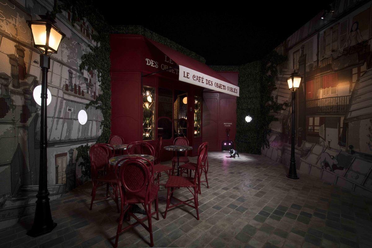 咖啡館是巴黎風情漫步中不可或缺的一道城市風景。(提供_愛馬仕)
