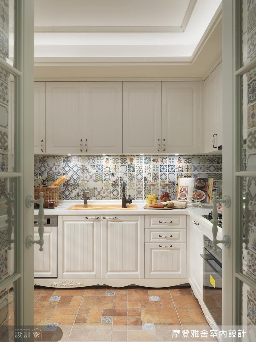 透過繽紛花磚的點綴,讓熱愛下廚的女主人擁有浪漫的料理世界。
