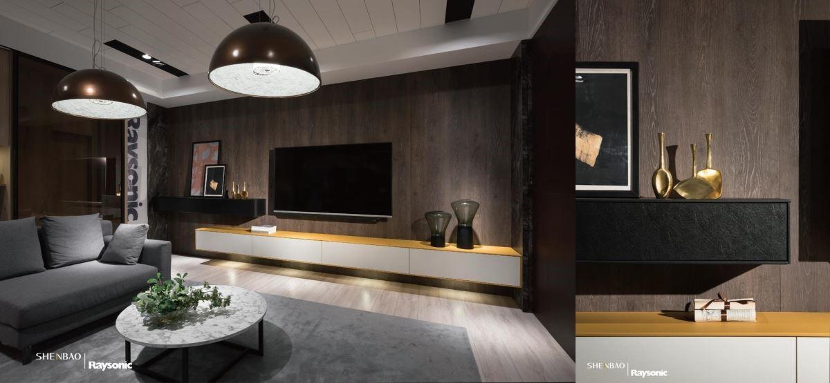 在電視機櫃縫上黃色的馬鞍皮,新潮的質材結合,更增添雅致的時尚氣息。
