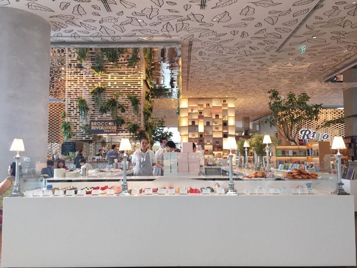 Open House裡的甜點店,小編站在這裡約3分鐘,陸續有不少貴婦上前購買蛋糕。