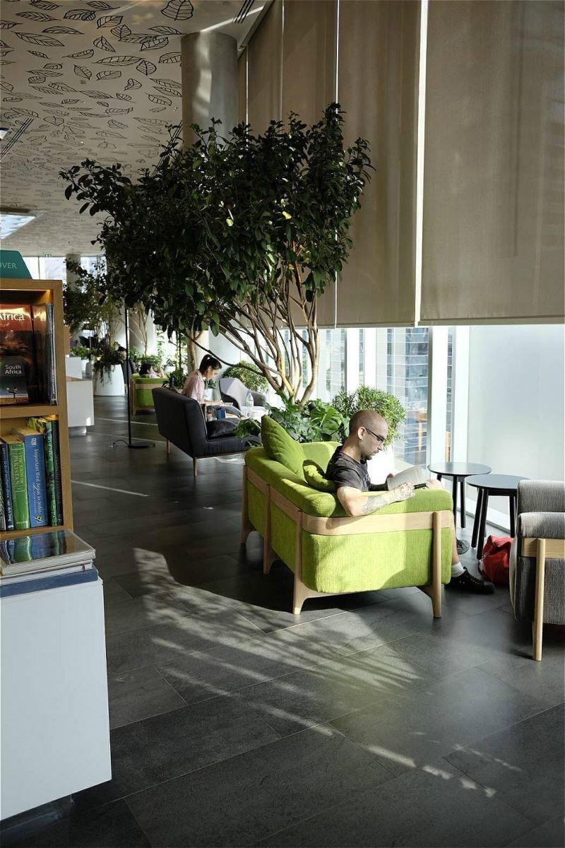 可看書、可看夜景,自行定義的Open House要如何使用。(攝影:蘇湘芸)