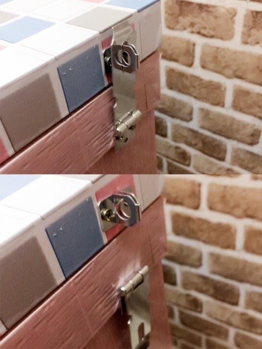 為了防止小孩壓桌面造成危險,去五金行買了鎖,要用的時候才拉出鎖上,不使用時往下壓,可輕鬆開鎖。圖片提供_ Novia Suan