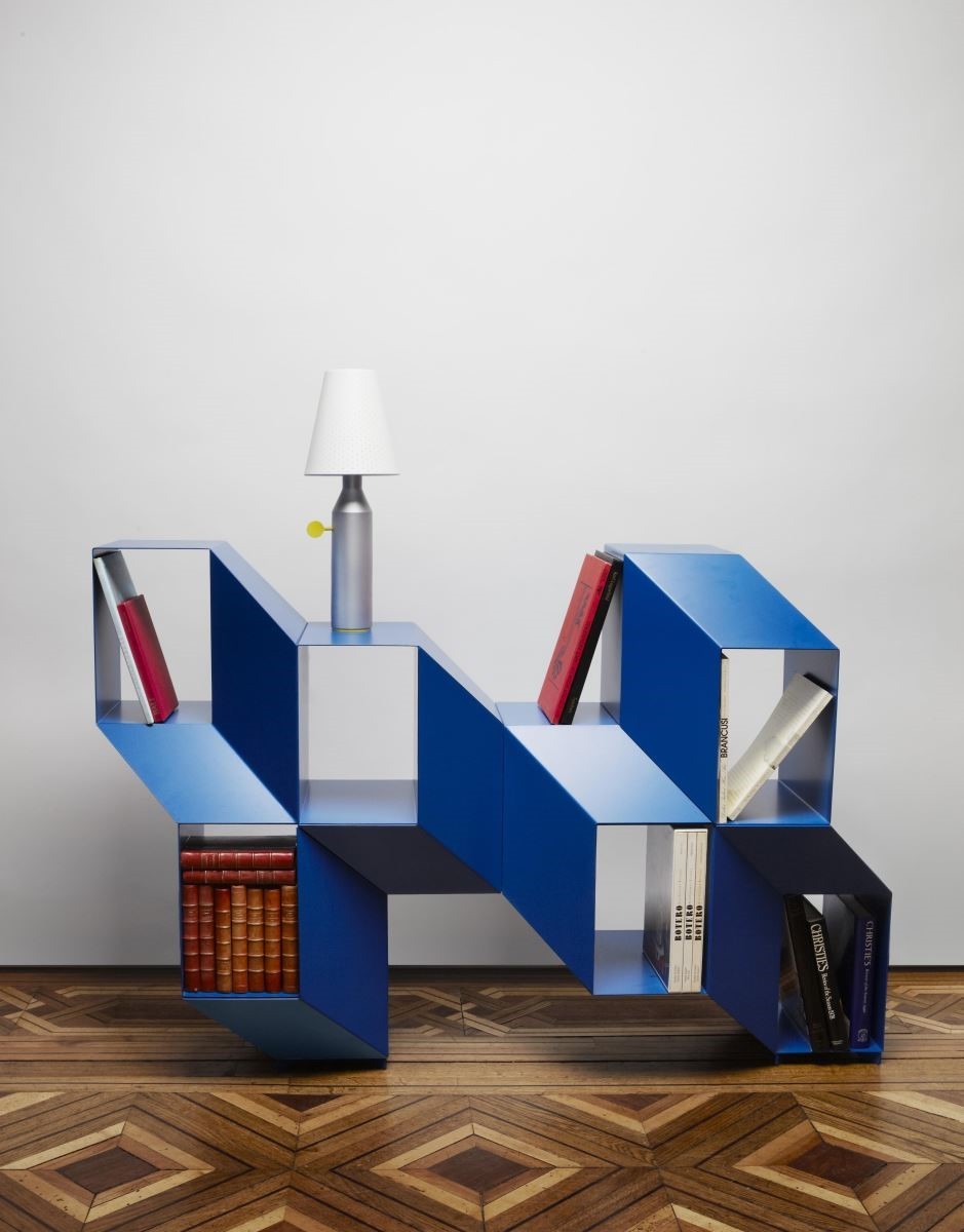 Rocky 書櫃玩轉 3D 的立體效果,展現趣味的視覺張力。