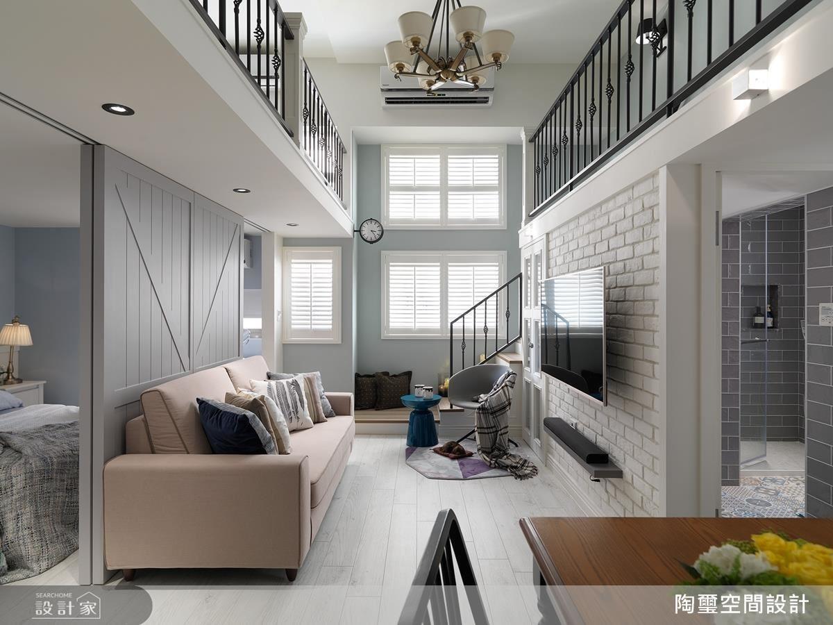 這對年輕屋主夫妻的新家,在陶璽空間設計林欣璇設計師的專業規劃下,洋溢著清爽、甜美的都會美式氣息。