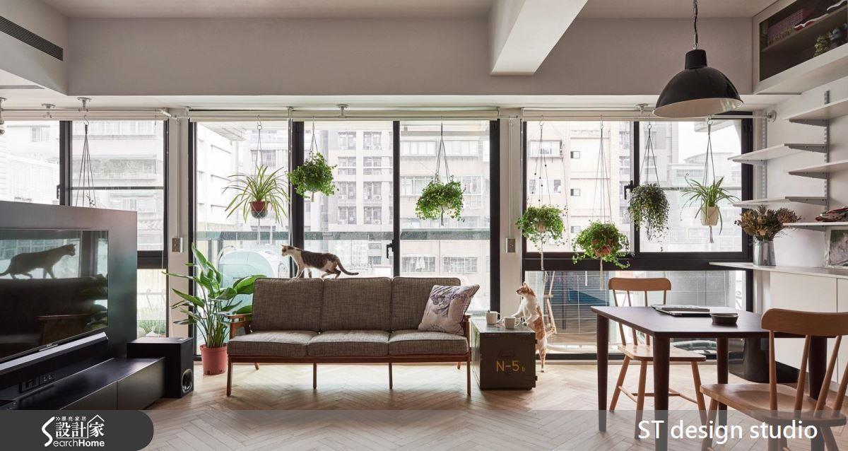 空間不足或是覺得房間呆板死氣沉沉?選用適合懸吊的線蕨,漂亮又能吸附有害物質,是小坪數的另類空氣清淨機! >> 點此看完整圖庫