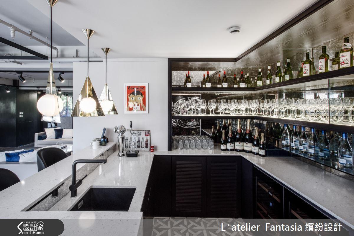 超高級的紅酒吧台宛如身處 skybar ,上起班來就像名媛開派對! >> 點此看完整圖片