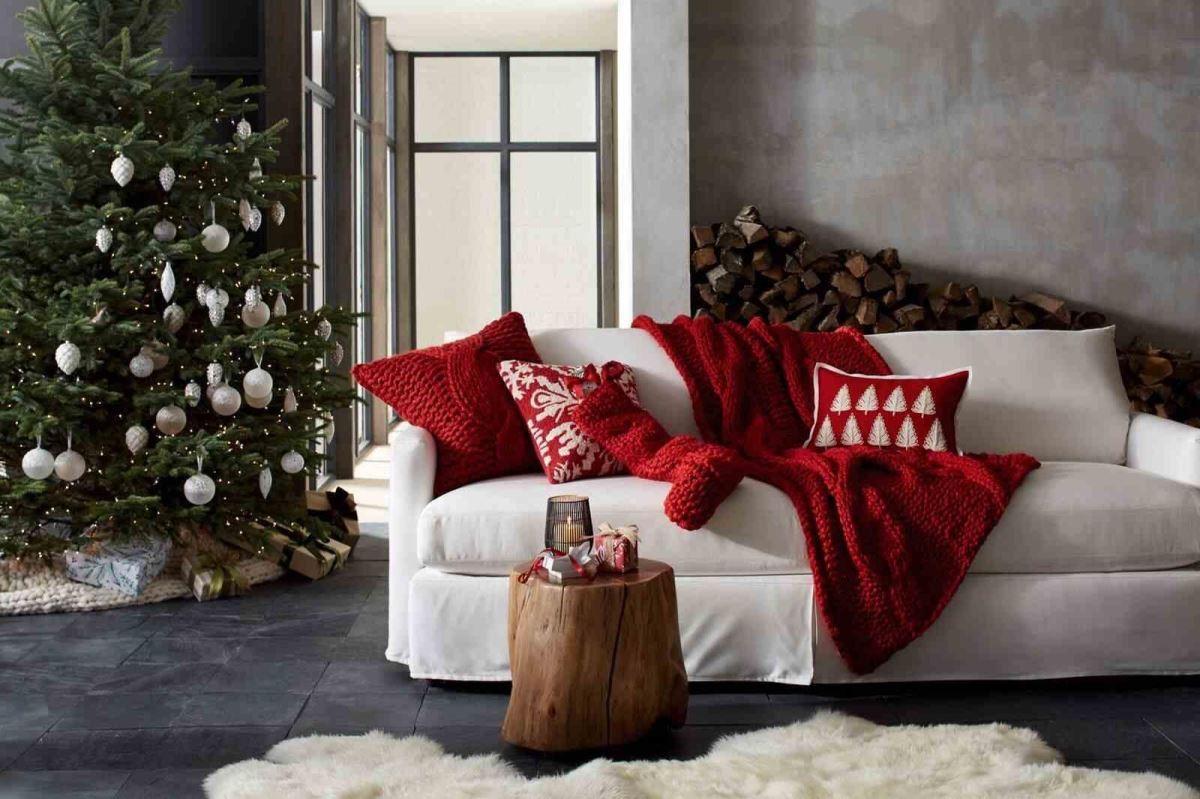 運用自然木質,粗針織、毛料等溫暖質調元素,讓聖誕節氛圍更為濃郁。(圖片提供_Crate and Barrel)