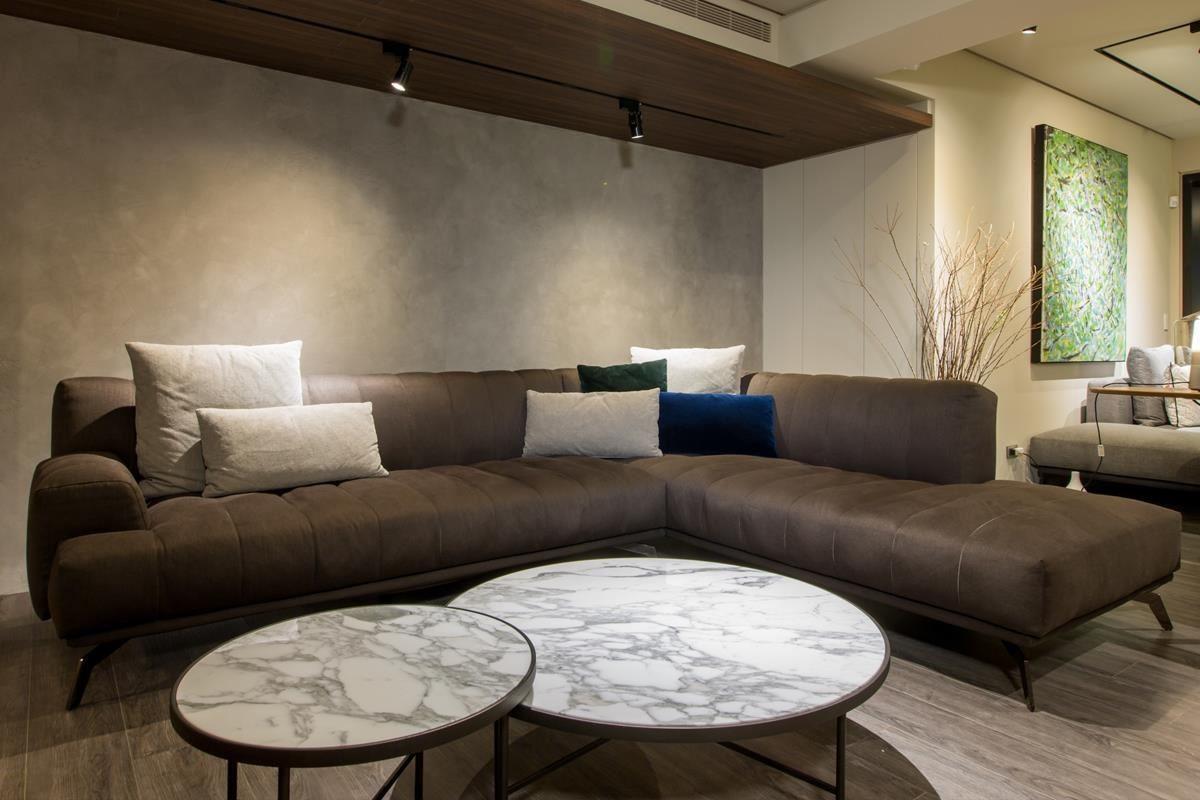 品牌外銷經理 George 提到,他認為「家具和人是相互選擇的,對的家具你一坐下就會知道是它。」