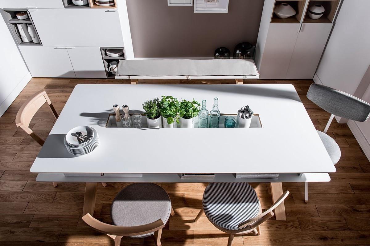 這款4 YOU 系列餐桌在桌面四周採圓角設計,避免碰撞也能拉近彼此距離,中央長型置物槽讓植物與各類瓶瓶罐罐都有專屬位置,獨特的出線孔設計還能搭配電器,隨時加熱餐點或泡茶、沖咖啡,許願生活有品味的您,還不快入手這一款!