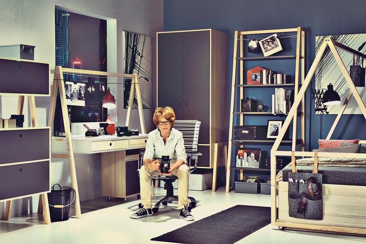 SPOT 系列成長型書桌高度可調的三段設計,從學齡到成年階段的使用都沒問題喔!