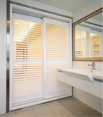 浴室拉門也可以使用防水 ABS 材質來製作。
